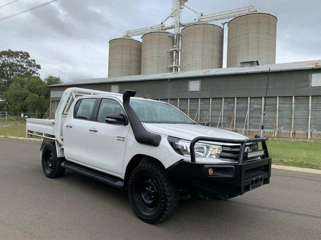 Used Toyota Hilux GUN126R SR (4x4), 2017 Toyota Hilux GUN126R SR (4x4) Glacier White 6 Speed Automatic Dual Cab Chassis