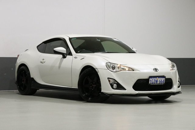 Used Toyota 86 ZN6 MY15 GT, 2016 Toyota 86 ZN6 MY15 GT Pearl White 6 Speed Auto Sequential Coupe