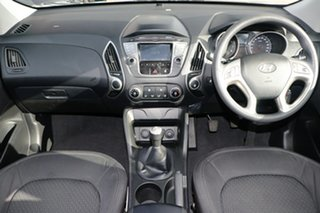 2013 Hyundai ix35 LM Series II Active (FWD) Silver 6 Speed Manual Wagon