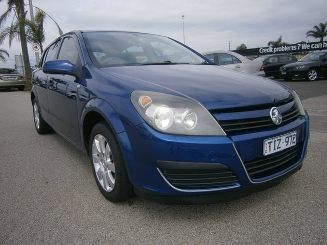 Used Holden Astra AH MY05 CD, 2005 Holden Astra AH MY05 CD Blue 4 Speed Automatic Hatchback