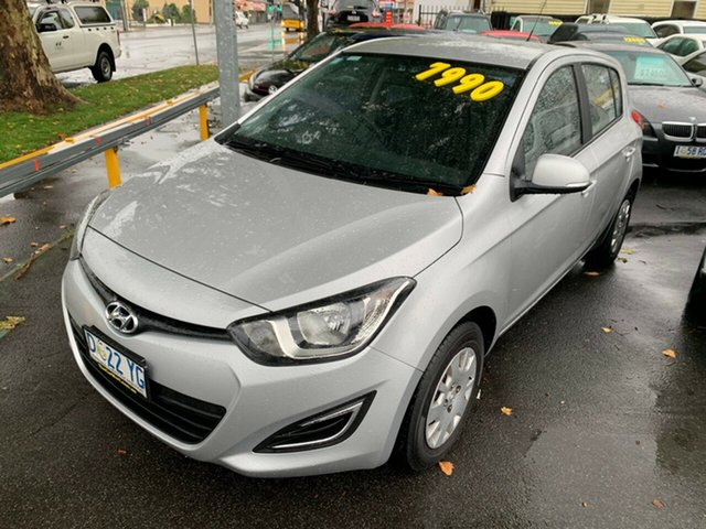 Used Hyundai i20 PB MY14 Active, 2014 Hyundai i20 PB MY14 Active Sleek Silver 6 Speed Manual Hatchback