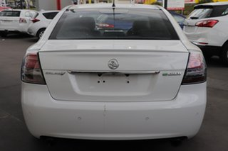 2011 Holden Calais VE II MY12 V White 6 Speed Sports Automatic Sedan