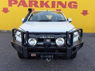 2014 Isuzu D-MAX MY15 SX Crew Cab White 5 Speed Manual Cab Chassis.