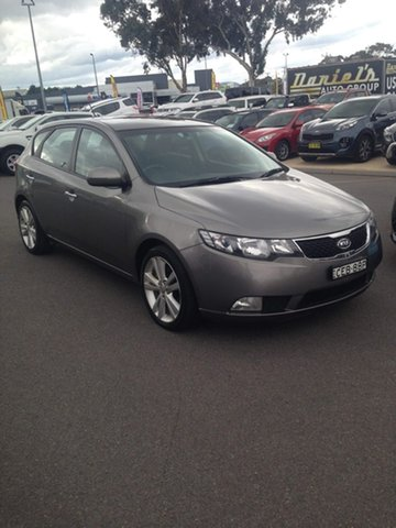 Used Kia Cerato TD MY12 SLi, 2011 Kia Cerato TD MY12 SLi Titanium Silver 6 Speed Manual Hatchback