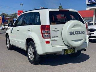2007 Suzuki Grand Vitara Trekker White Manual Wagon