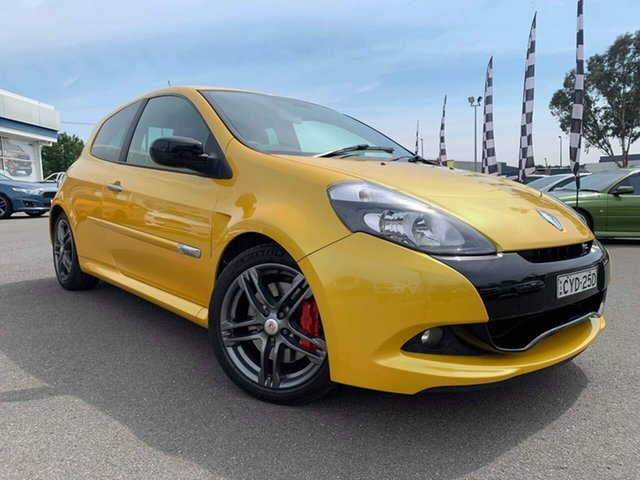 Used Renault Clio  , 2012 Renault Clio Sport 200 - Cup Yellow Manual Hatchback