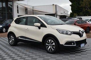 2015 Renault Captur J87 Expression White 5 Speed Manual Hatchback.