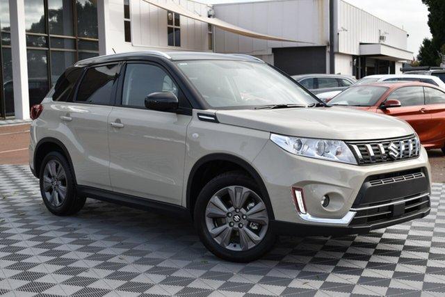 Demo Suzuki Vitara LY Series II 2WD, 2019 Suzuki Vitara LY Series II 2WD Ivory & Black 6 Speed Sports Automatic Wagon