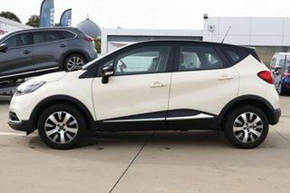2017 Renault Captur J87 Expression Cream 6 Speed Automated Manual Wagon