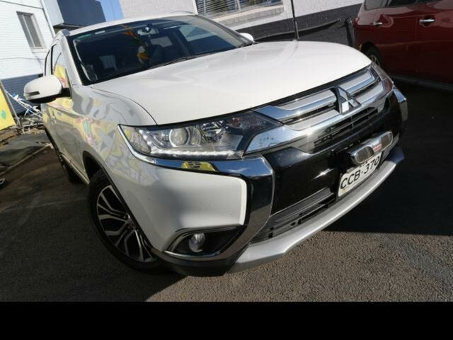 Used Mitsubishi Outlander ZJ MY14.5 LS (4x4), 2015 Mitsubishi Outlander ZJ MY14.5 LS (4x4) White Continuous Variable Wagon