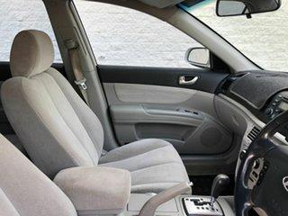 2007 Hyundai Sonata White 5 Speed Automatic Sedan