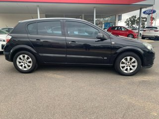 2006 Holden Astra CD Black Manual Hatchback.