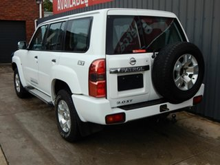 2015 Nissan Patrol Y61 GU 9 ST White 4 Speed Automatic Wagon