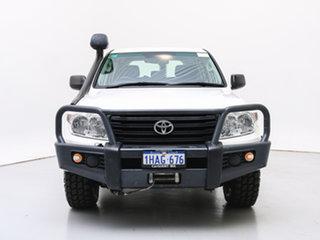 2015 Toyota Landcruiser VDJ200R MY13 GX (4x4) White 6 Speed Automatic Wagon.