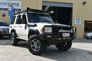 2010 Toyota Landcruiser VDJ76R 09 Upgrade Workmate (4x4) White 5 Speed Manual Wagon.