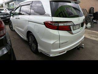 2018 Honda Odyssey RC MY18 VTi-L White Continuous Variable Wagon.