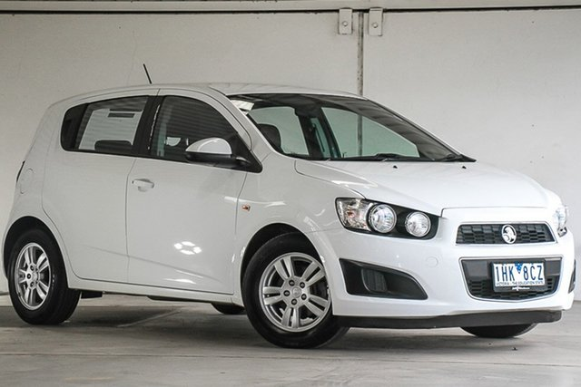 Used Holden Barina TM MY16 CD, 2016 Holden Barina TM MY16 CD White 6 Speed Automatic Hatchback