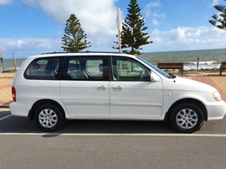 2005 Kia Carnival MY04 LS White 5 Speed Manual Wagon.