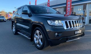 2011 Jeep Grand Cherokee Limited Grey Sports Automatic Wagon.