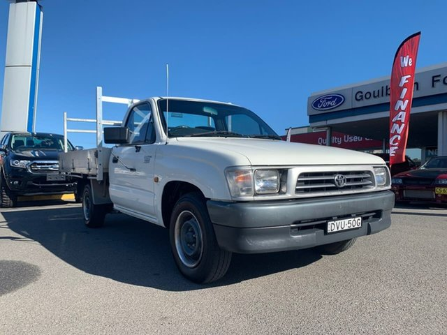 Used Toyota Hilux  Workmate, 2000 Toyota Hilux Workmate White Manual Cab Chassis - Single Cab