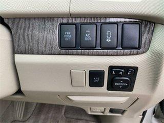 2010 Toyota Estima White Wagon