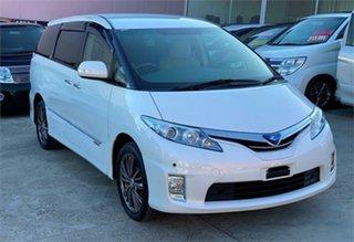 2010 Toyota Estima White Wagon.