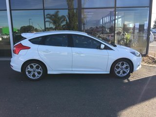 2013 Ford Focus LW MK2 Sport White 6 Speed Automatic Hatchback.