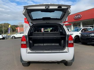 2009 Hyundai Tucson City - SX White Manual Wagon