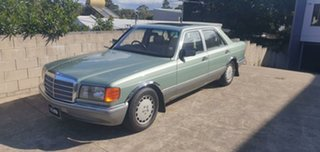 1988 Mercedes-Benz 300 W126 SE Willow Green 4 Speed Automatic Sedan.