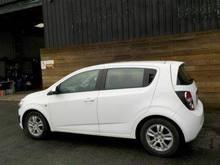 2014 Holden Barina TM MY15 CD White 6 Speed Automatic Hatchback