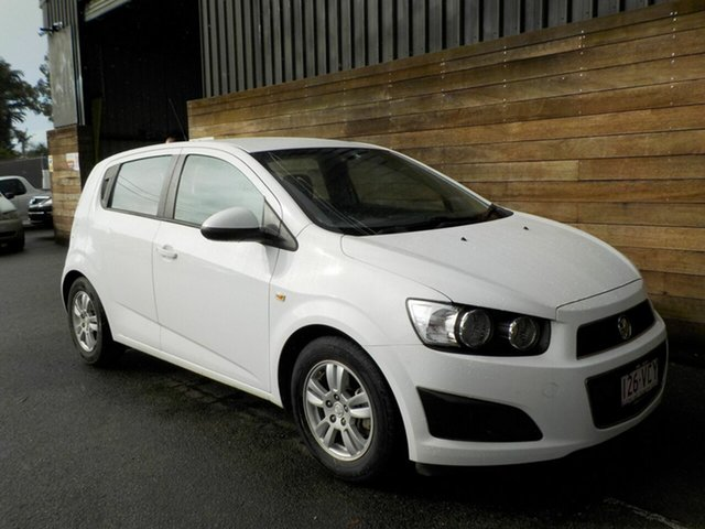 Used Holden Barina TM MY15 CD, 2014 Holden Barina TM MY15 CD White 6 Speed Automatic Hatchback