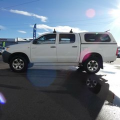 2005 Toyota Hilux GGN25R MY05 SR White 5 Speed Manual Utility