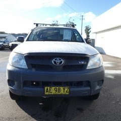 2005 Toyota Hilux GGN25R MY05 SR White 5 Speed Manual Utility.