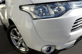2013 Mitsubishi Outlander ZJ MY13 Aspire 4WD White 6 Speed Constant Variable Wagon.