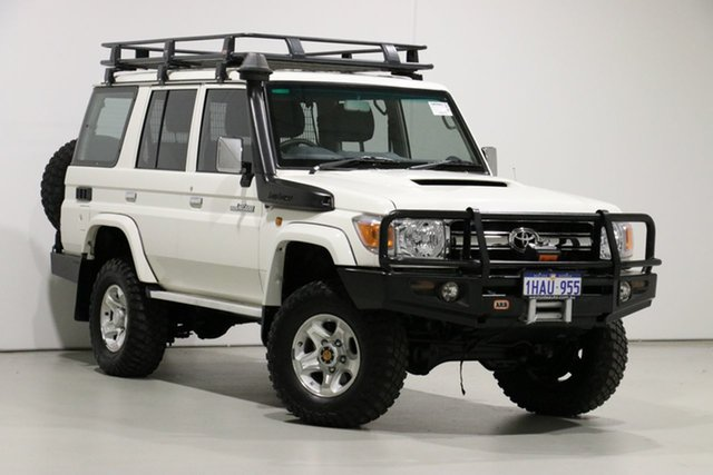 Used Toyota Landcruiser VDJ76R MY12 Update GXL (4x4), 2015 Toyota Landcruiser VDJ76R MY12 Update GXL (4x4) White 5 Speed Manual Wagon