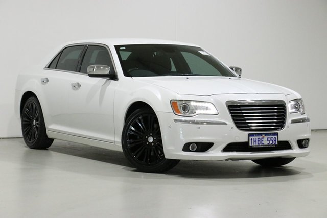 Used Chrysler 300 MY12 C Luxury, 2013 Chrysler 300 MY12 C Luxury White 5 Speed Automatic Sedan