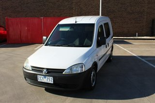2002 Holden Combo XC White 5 Speed Manual Van.