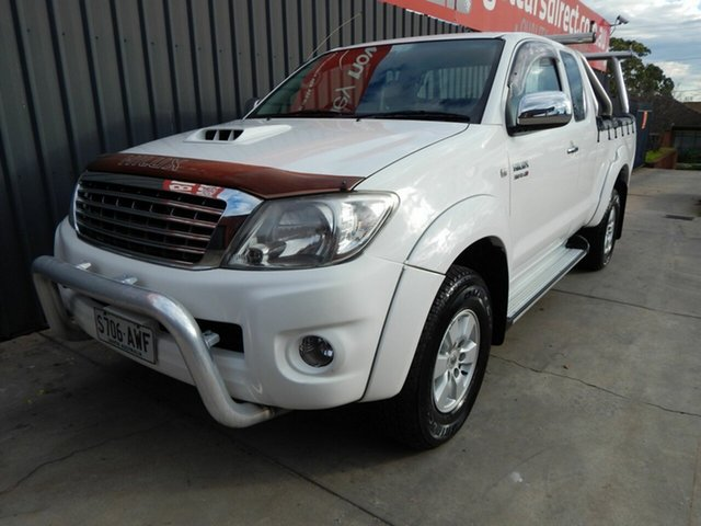 Used Toyota Hilux KUN26R MY10 SR5 Xtra Cab, 2010 Toyota Hilux KUN26R MY10 SR5 Xtra Cab White 5 Speed Manual Utility