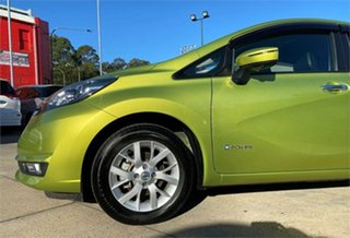 2017 Nissan Note Green.