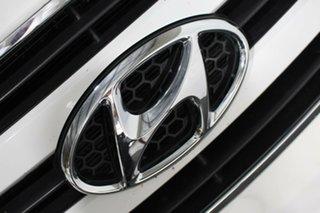 2016 Hyundai iMAX TQ3-W Series II MY17 White 6 Speed Manual Wagon.