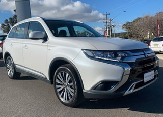 2019 Mitsubishi Outlander ES White Constant Variable Wagon.