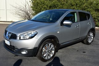 2010 Nissan Dualis J10 Series II MY2010 Ti Hatch X-tronic Blade 6 Speed Hatchback.