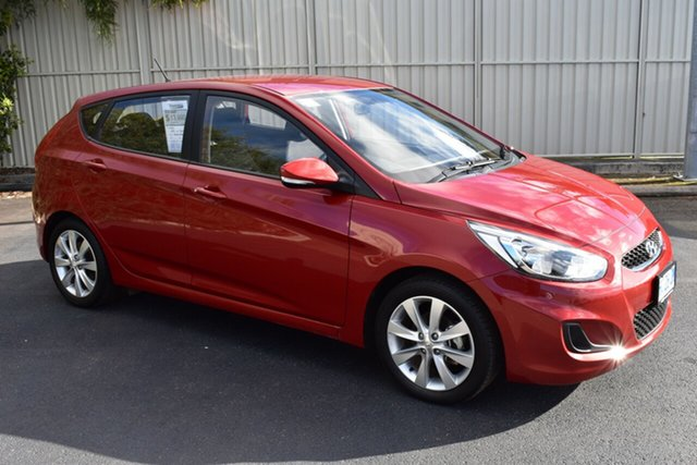 Used Hyundai Accent RB6 MY18 Sport, 2018 Hyundai Accent RB6 MY18 Sport Red/Black 6 Speed Manual Hatchback