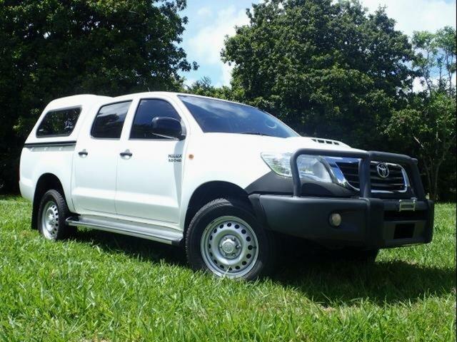 Used Toyota Hilux KUN26R MY14 SR (4x4), 2015 Toyota Hilux KUN26R MY14 SR (4x4) Glacier White 5 Speed Manual Dual Cab Pick-up