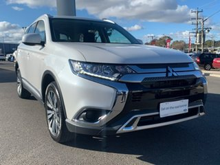 2019 Mitsubishi Outlander ES White Constant Variable Wagon