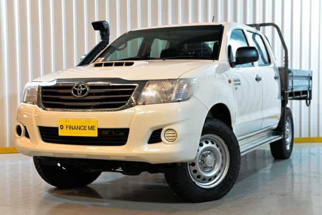 Used Toyota Hilux KUN26R MY14 SR Double Cab, 2015 Toyota Hilux KUN26R MY14 SR Double Cab White 5 Speed Automatic Cab Chassis