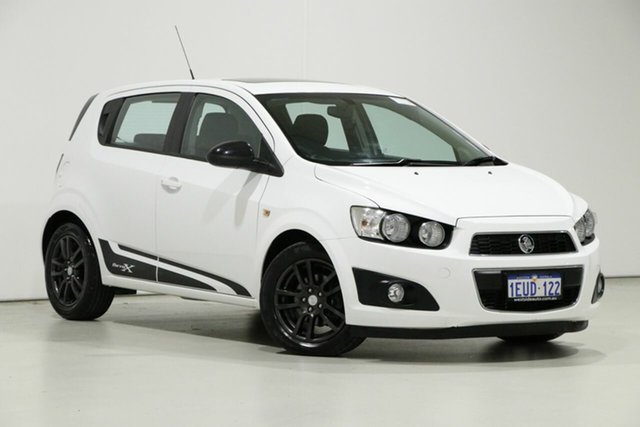 Demo Holden Barina TM MY15 X, 2015 Holden Barina TM MY15 X White 5 Speed Manual Hatchback