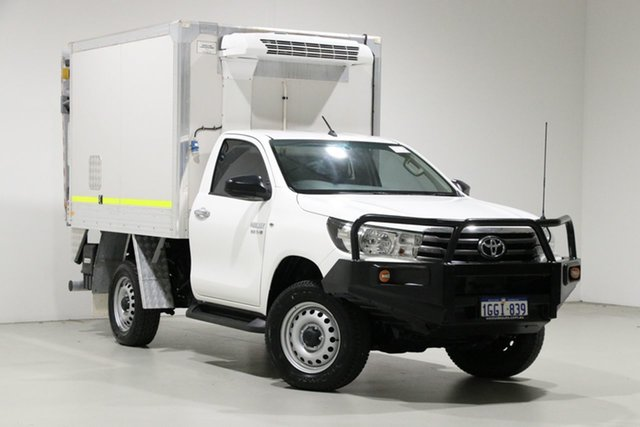 Used Toyota Hilux GUN126R SR (4x4), 2017 Toyota Hilux GUN126R SR (4x4) White 6 Speed Automatic Cab Chassis