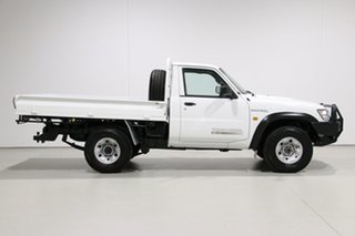 2001 Nissan Patrol GU DX (4x4) White 5 Speed Manual 4x4 Coil Cab Chassis