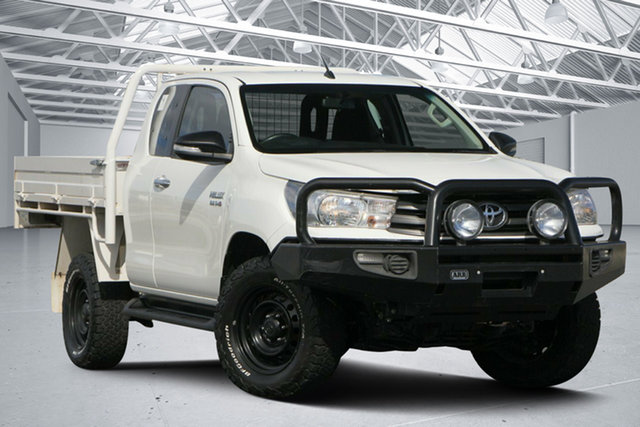 Used Toyota Hilux GUN126R SR (4x4), 2017 Toyota Hilux GUN126R SR (4x4) White 6 Speed Manual X Cab Utility
